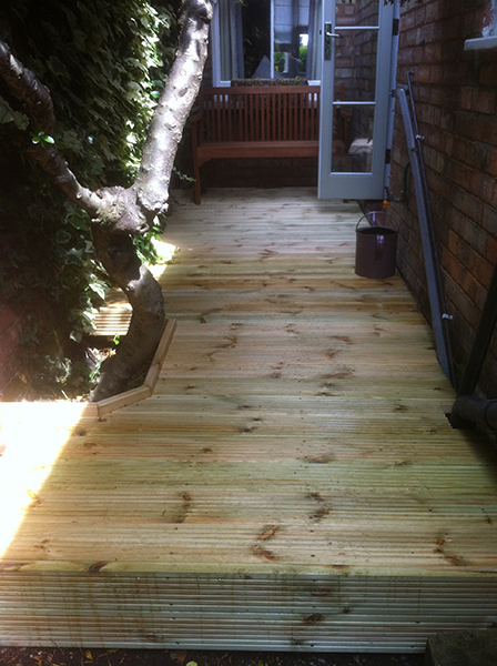 Decking In A Confined Space